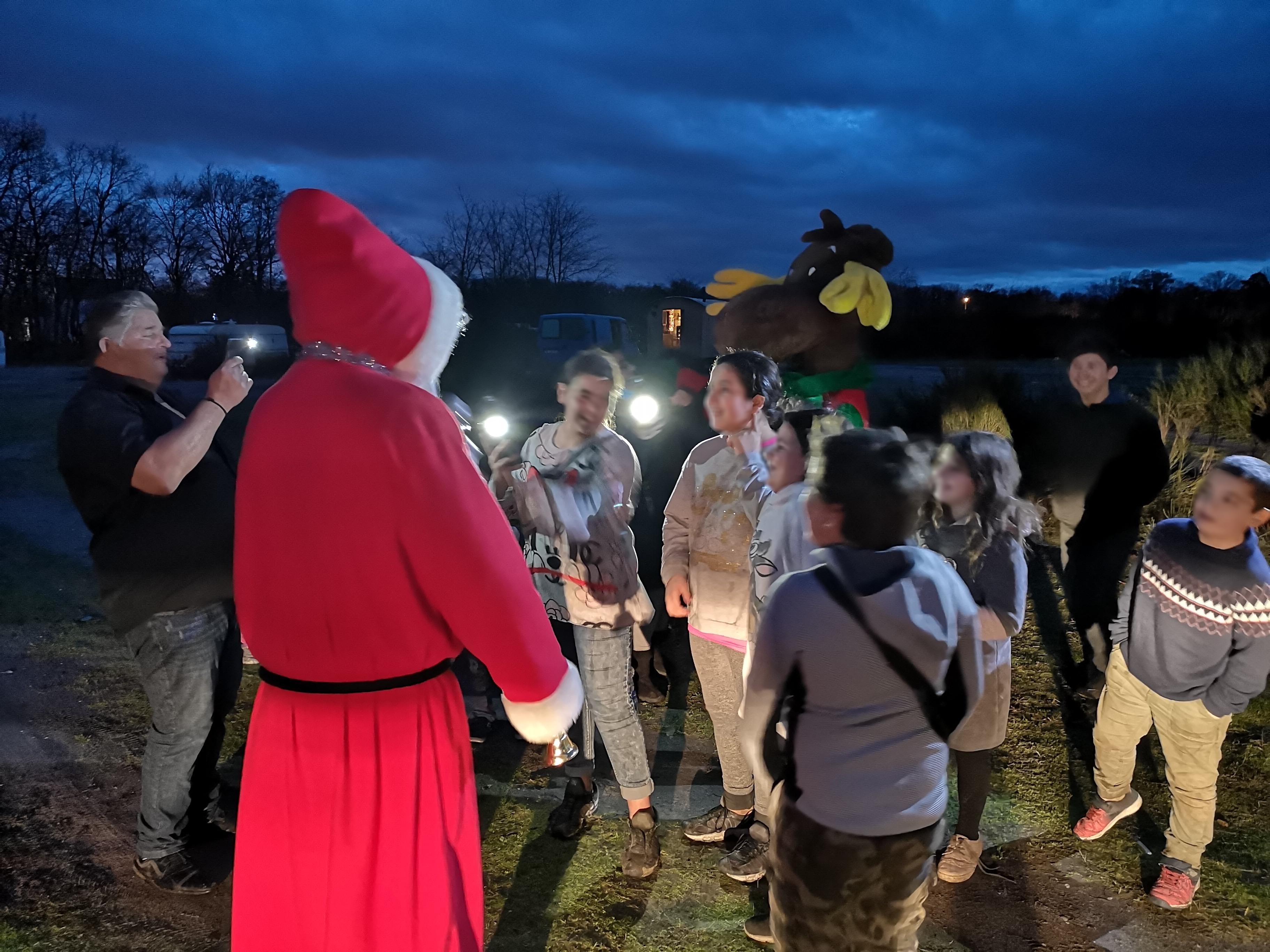 Le Père Noël à la rencontre des enfants de Kaltenhouse